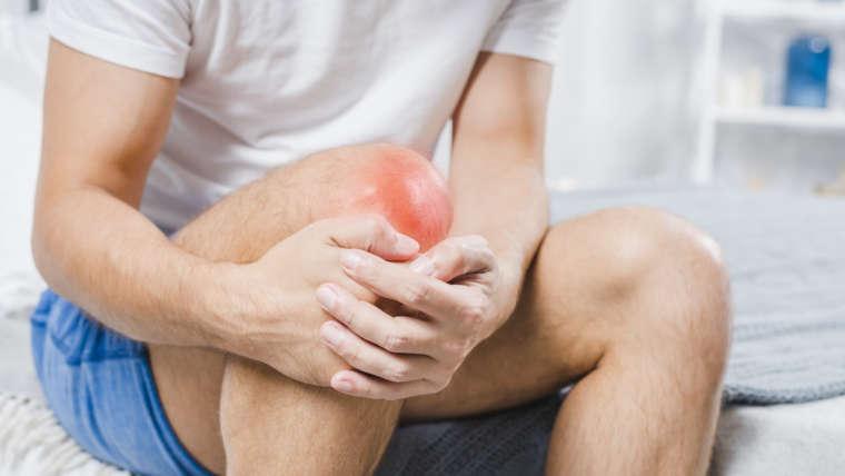 Dores nos joelhos? Conheça as causas e tratamentos