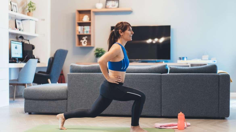 Confere aqui 7 exercícios físicos fáceis para fazer em casa