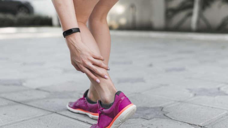 O que causa as cãibras musculares?