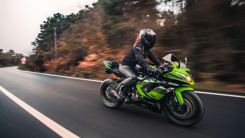 Uso de motocicletas pode causar dor nas costas