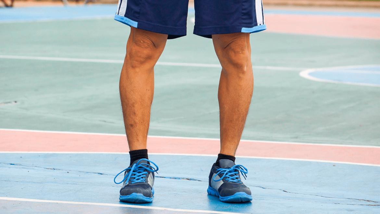 Quais são as causas do joelho varo?